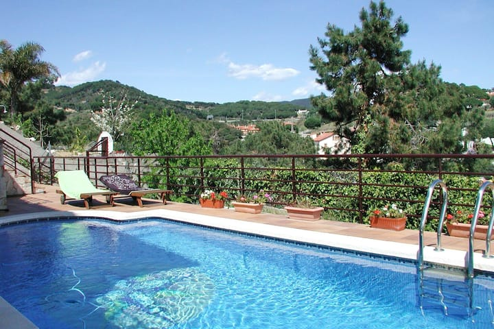 Leisurely Villa in Sant Pol de Mar with Swimming Pool