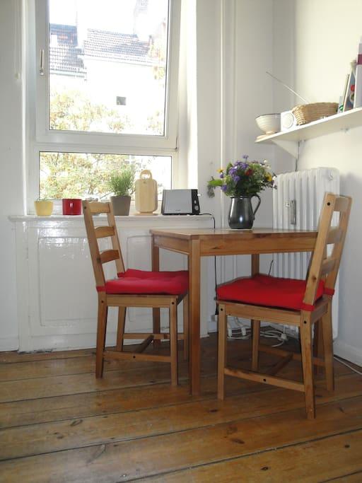 Essbereich in der Küche / dining area in the kitchen