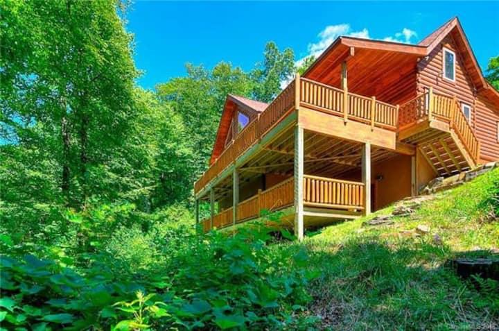 Mountainbrook Paradise in Little Switzerland NC