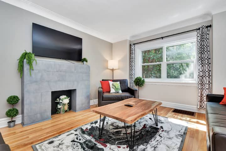 Quiet/Well Stocked/Comfortable Home In Hintonburg