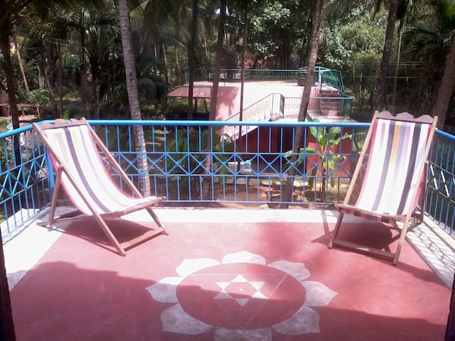 Spacious Room for 4 with Terrace - Gokarna - House