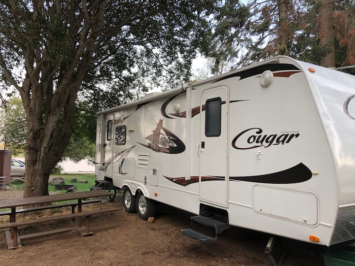 1 Bedroom RV in Crater Lake's Backyard