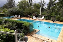 Luxurious Suite with stunning views (16 kms  CBD)