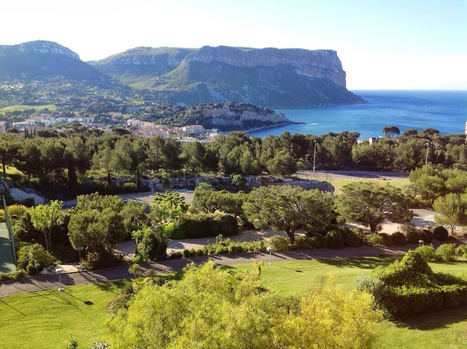 Superbe t4 vue mer piscine cassis apartments for rent in cassis provence alpes c te d 39 azur - Piscine municipale cassis nice ...