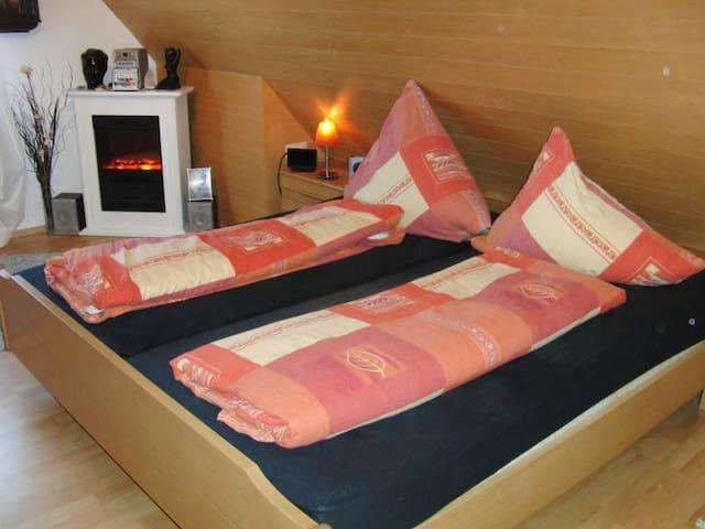 Doppelzimmer für 1 -2 Personen - Weingarten - Casa