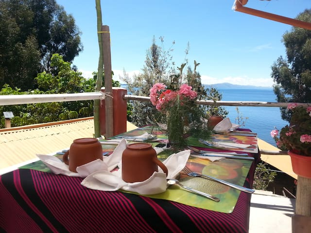 Munay Lodge & lake titicaca