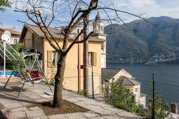 LAKE COMO: PRIVATE GARDEN & BBQ! - Brienno - House