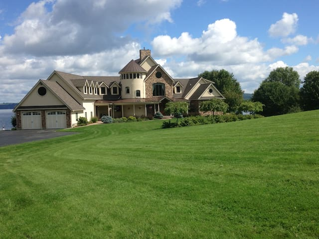 Villa Memphre/Jay Peak - Newport - Szoba reggelivel