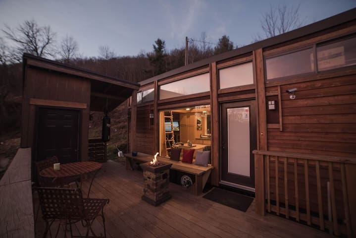 Mountainview Tiny House - near Boone, NC