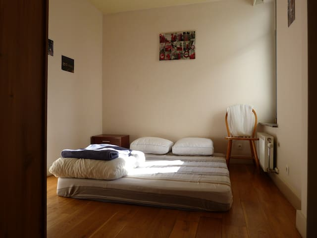 "Flat at small ""Champs Elysées"" of Saint Josse - Saint-Josse-ten-Noode - Huoneisto"