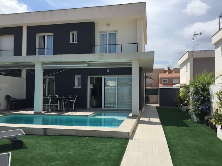 Casa Cedro, piscina y jardín privado
