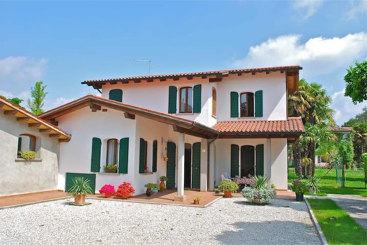 Villa Alma near Venice / Jesolo - Fossalta di Piave - House