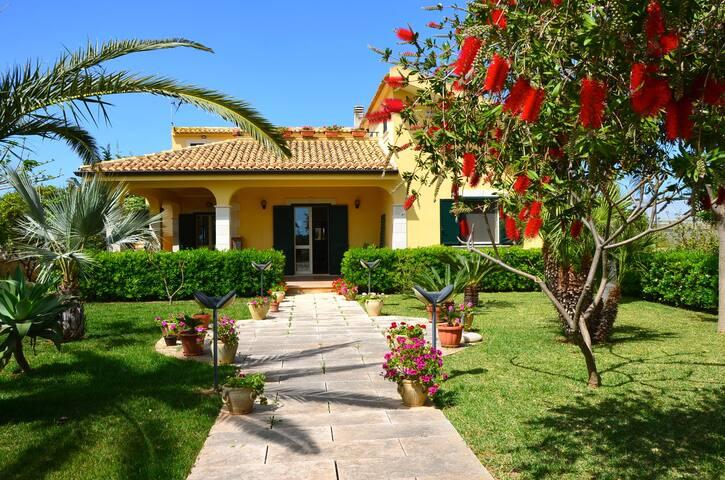 Country Villa with sea view - Donnalucata - Villa