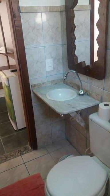 Banheiro privativo dos hóspedes