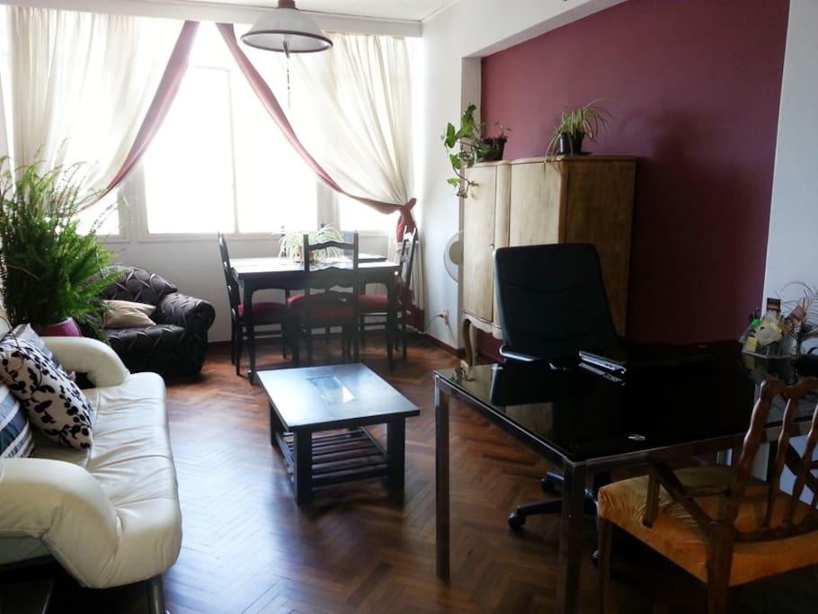 Linda habitaci n apartamento centro apartamentos en for Alquiler habitacion departamento