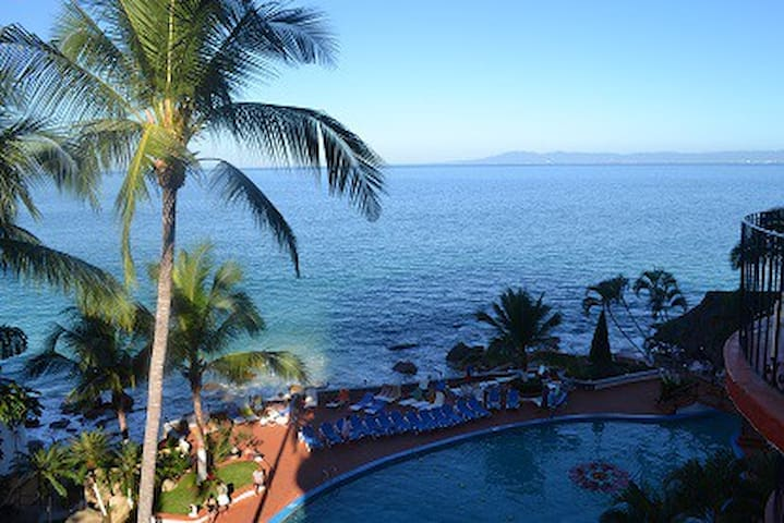 Great Oceanfront View!  Puerto Vallarta condo -