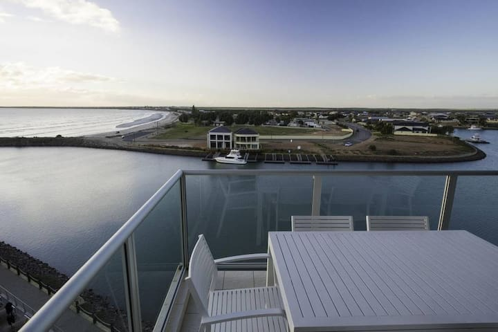 Multi-Award Winning Luxury 2 Bedroom Penthouse