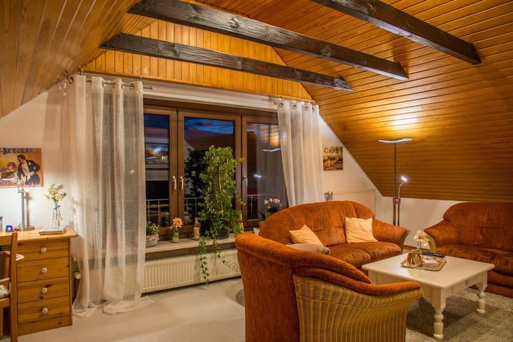 Mediterrane 2 ZKB-Dachwohnung 50 qm - Bielefeld - Appartement