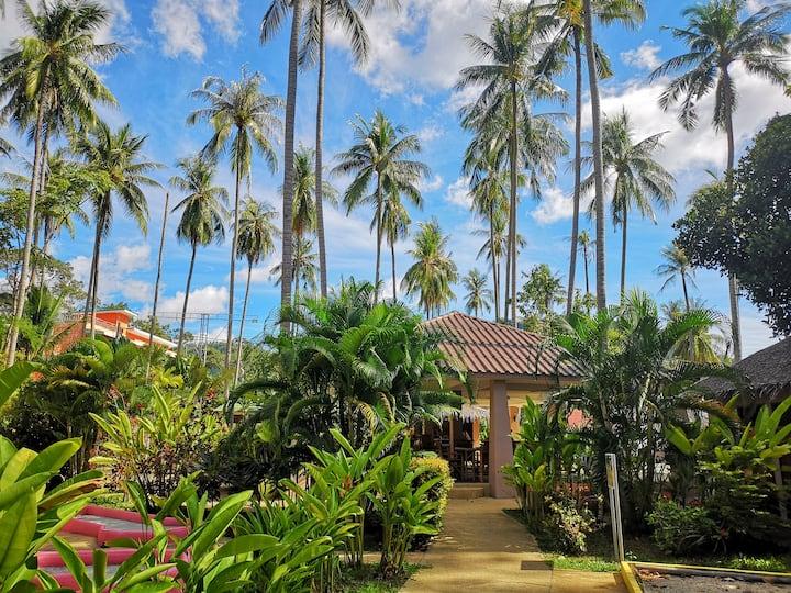 2分钟步行到沙滩的精品热带花园酒店大床房4