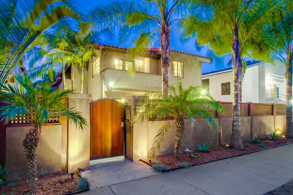 Pacific Beach Grand 3 Bedroom Condo Houses For Rent In San Diego California United States
