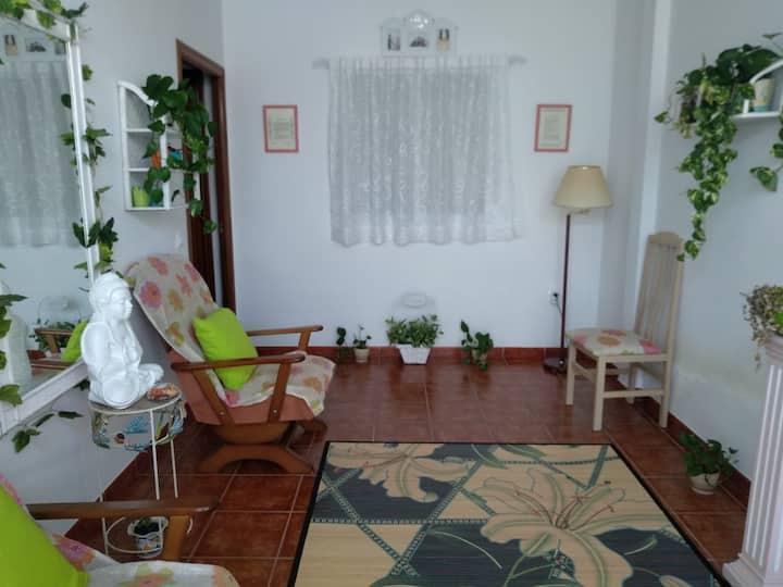 Habitación en Casa amplia, luminosa y tranquila