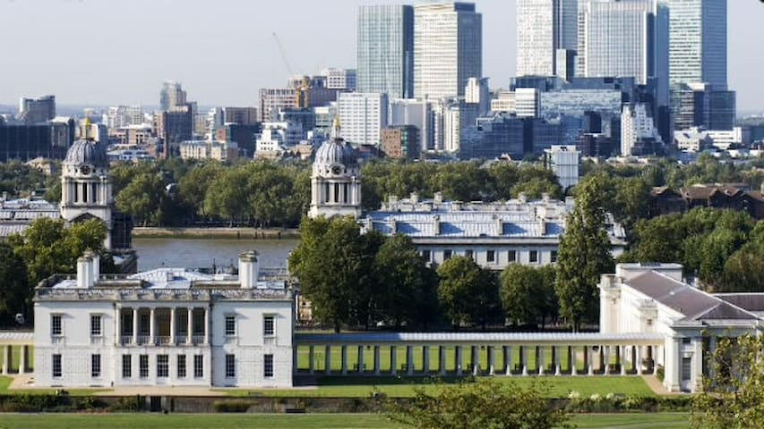 In the heart of Greenwich, ideal for professionals