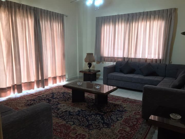 Calm neighborhood, spacious furnished apartment