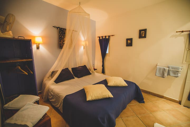 chambre en zen - Saint-Alban-Auriolles - Bed & Breakfast