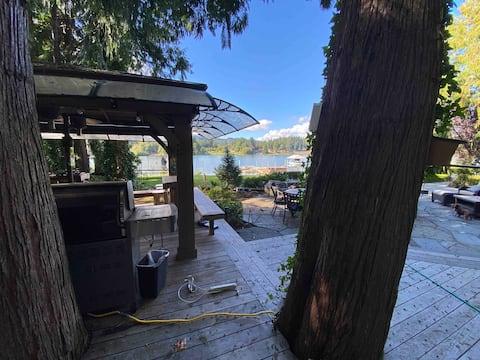 Cozy Black Lake Studio apartment with lake access