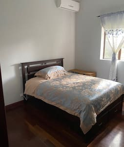 8 minutes walk to artarmon and chatswood station