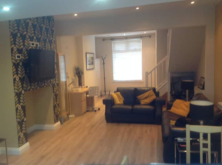 Chic two bed town house, in town centre Darlington