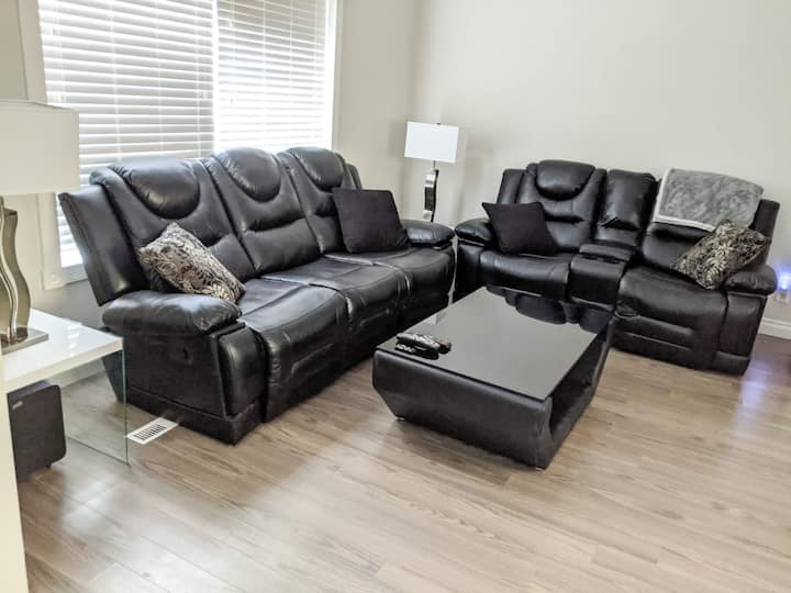 Great Osborne location. Close to mts centre!!