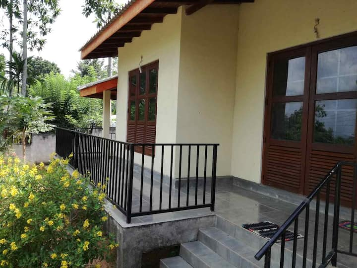 Sammit peak rental King rm with shared bath