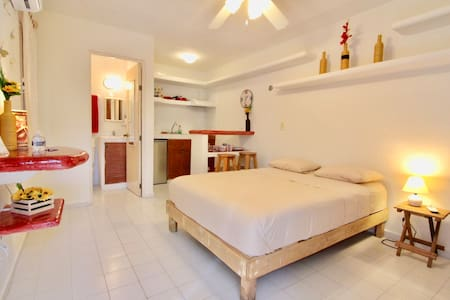 Studio - Top location A/C, Wifi #2C - Playa del Carmen