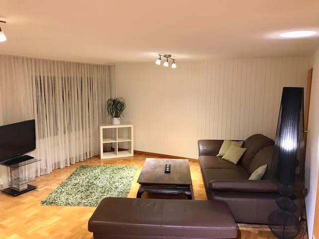 Wohnung mit privatem Eingang und offener Küche