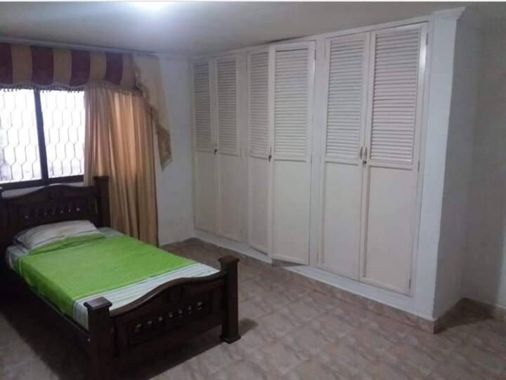 Habitación cómoda al norte de Bquilla