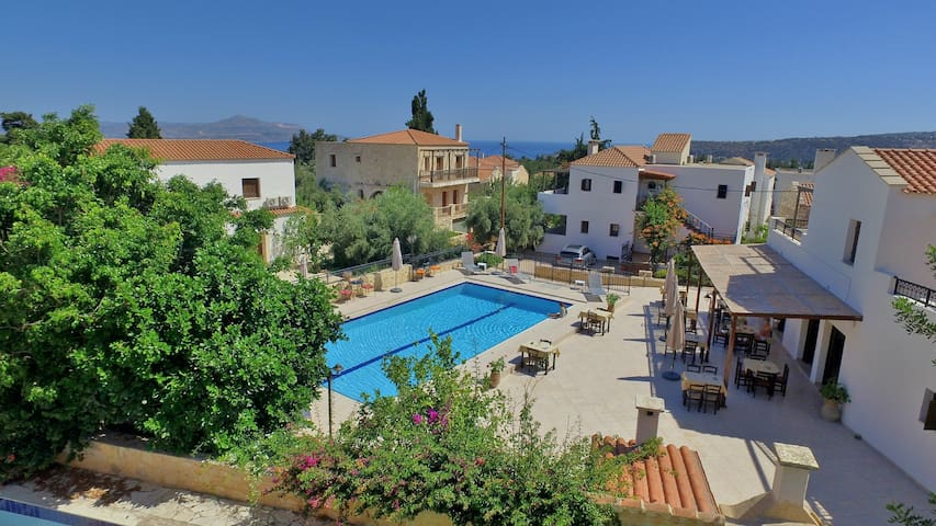 Two Bedroom Apartment with sharing pool - A