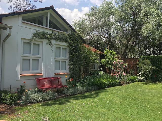 Guest house close to Gautrain Rosebank