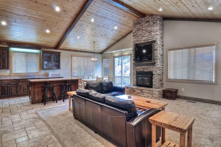 Luxury Spa Village Retreat Big Bear