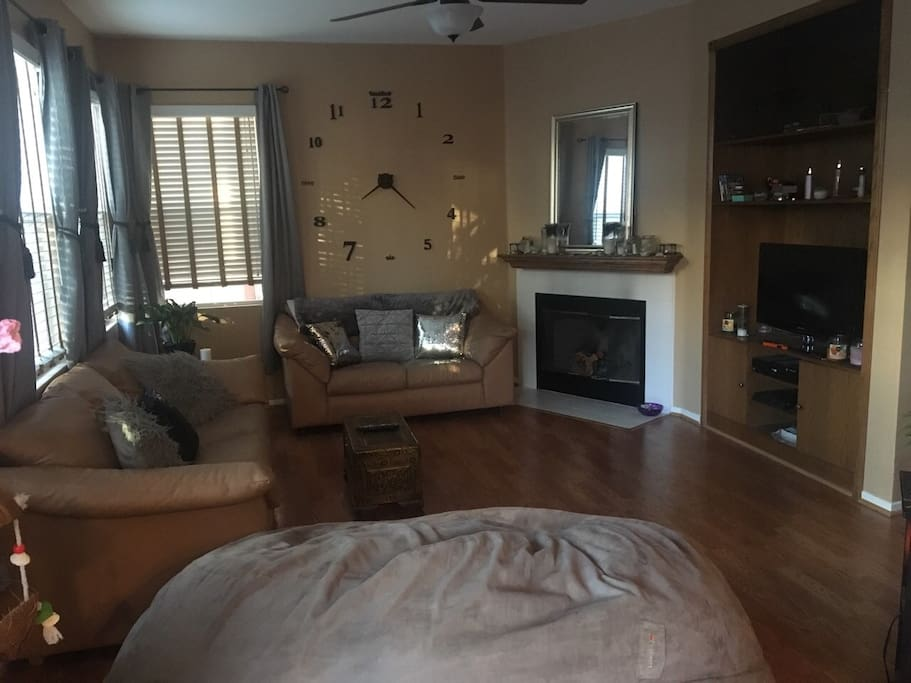 Living room/tv access