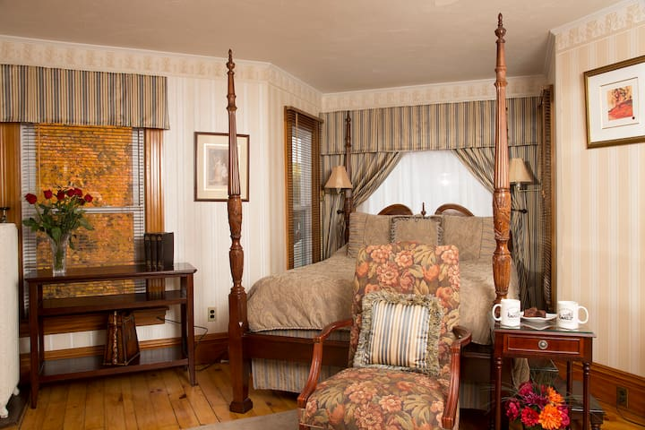 Taft Bedroom: Minutes from Squam Lake
