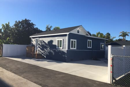 Dolphin Cottage, Near Beach & Village in Carlsbad. - Carlsbad - Chambres d'hôtes