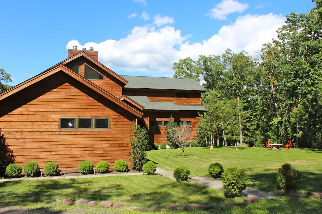 Total privacy, peace & quiet, located on 12 acres, down a private road