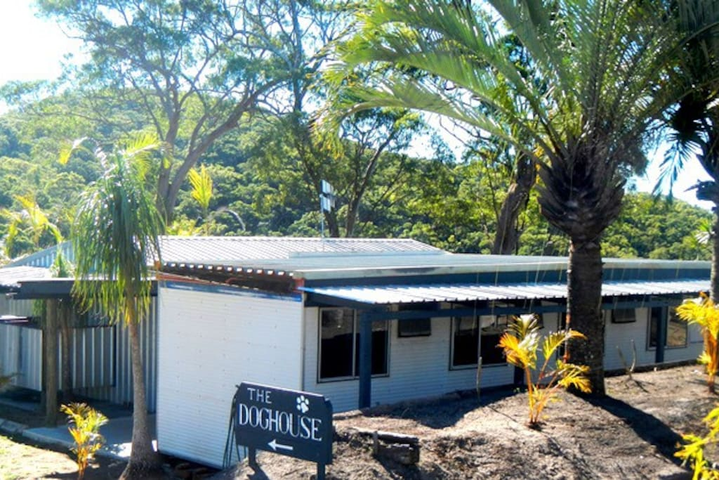 The Dog House unique bush cabins - sleeps max 8