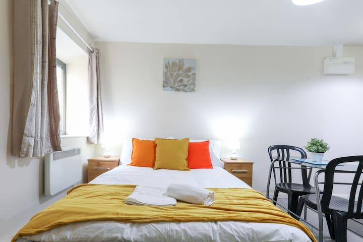 Alina Luxury Apartment offers a comfortable studio