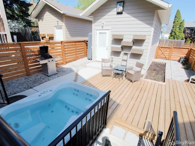 Old Summerland 4 bedroom townhouse