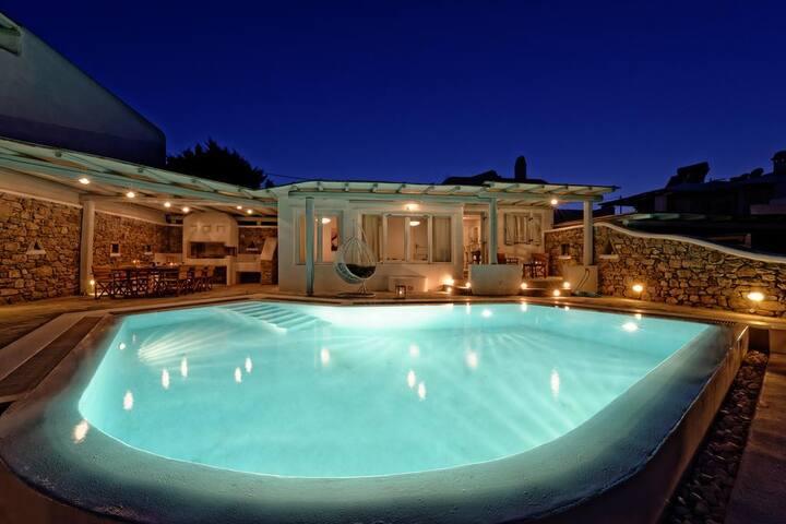 5BR Private Villa in Mykonos, by UniqueVillas