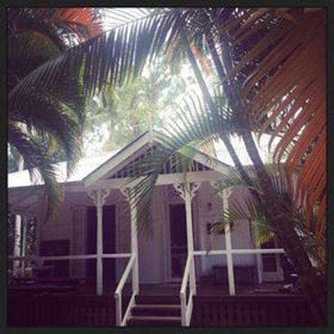 Hula House - South Golden Beach - บ้าน
