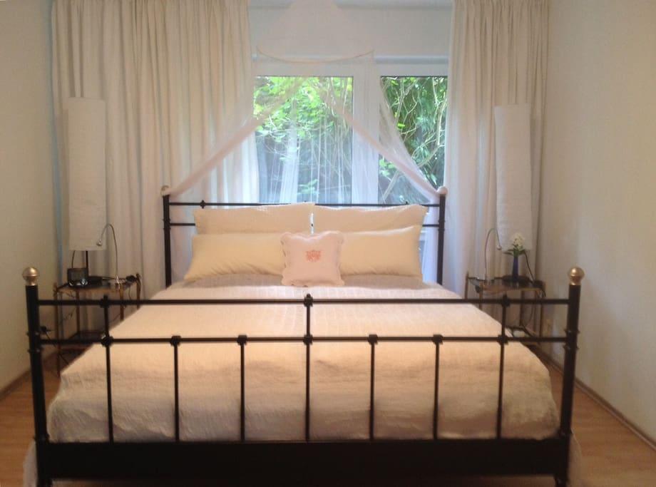 Schlafraum, ausgestattet mit einem sehr bequemen Bett (180x200)