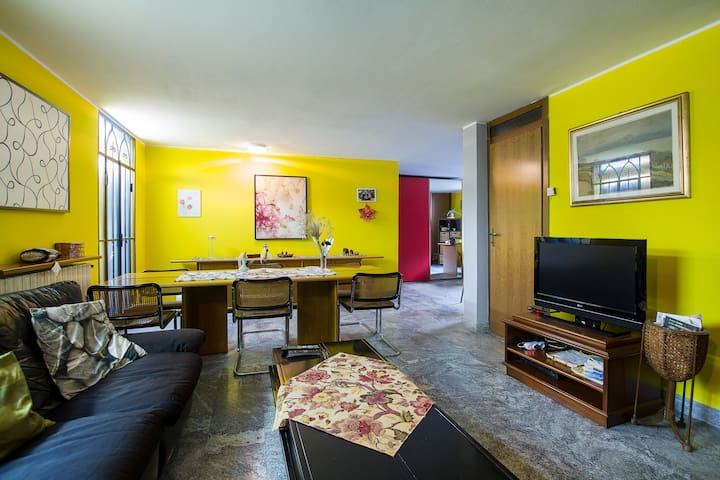 apartment in a villa in Malpensa - Samarate - Huis